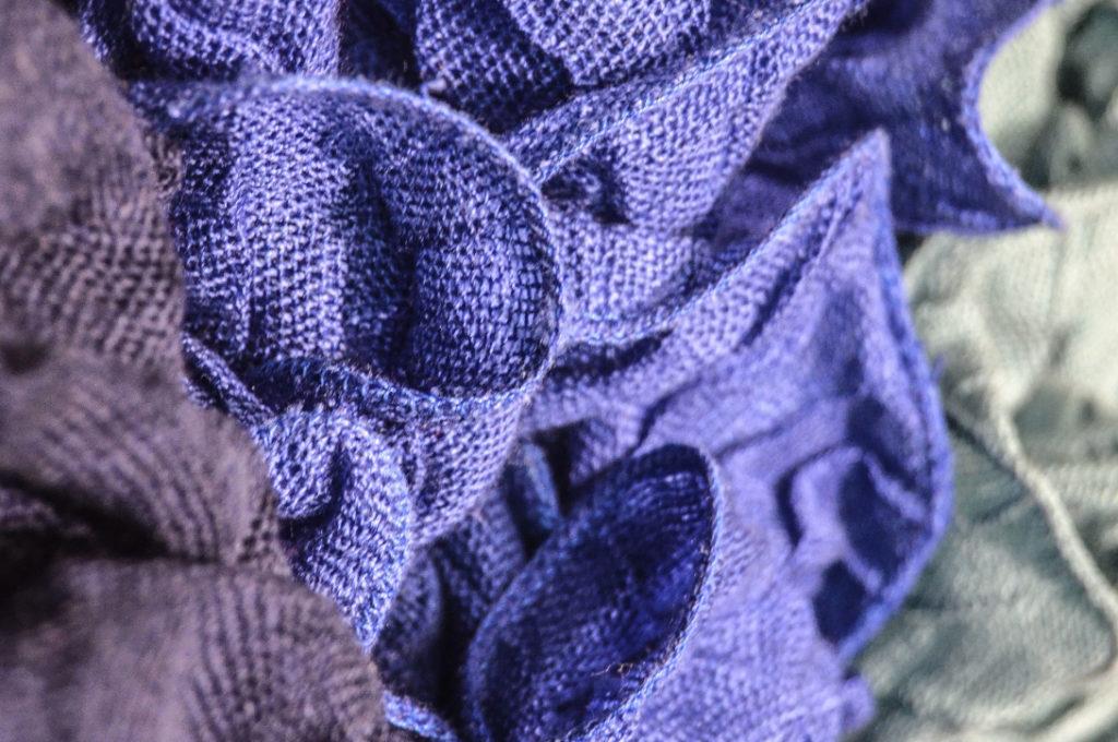 Polyester Textilien sorgen für problematische Umweltverschmutzungen.